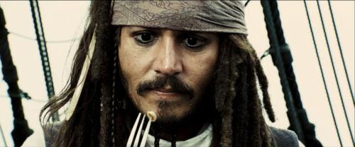 jack-sparrow-mortdecai-jhonny-depp-gentleman-ironia-eleganza-charme-non-si-dice-piacere-bon-ton-stile