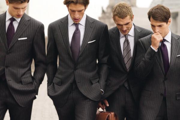 krawiec trendy_mortdecai-jhonny-depp-gentleman-ironia-eleganza-charme-non-si-dice-piacere-bon-ton-stile