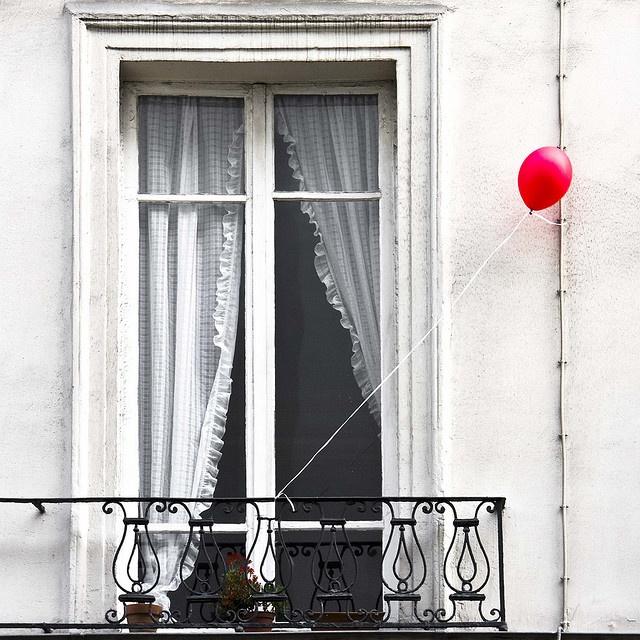 palloncino-balcone-Sanremo -amarcord-amare-fan-critiche-consensi-2015-non-si-dice-piacere-bon-ton-buone-maniere