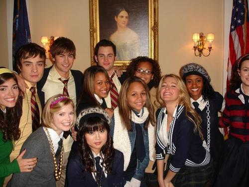 gossip -girl-foto di classe-selfie-galateo-bon-ton-come-fare-buone-maniere-non-si-dice-piacere-blog