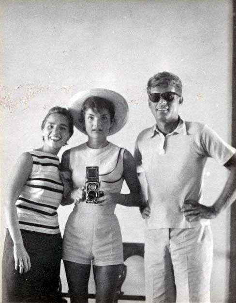 kenndy-selfie-galateo-bon-ton-come-fare-buone-maniere-non-si-dice-piacere-blog