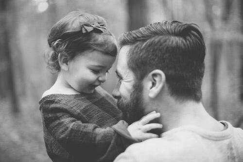 padre-figlia-papà-festa-auguri-uomini-relazioni-come-essere-papa-fidanzati-non-si-dice-piacere-bon-ton-buone-maniere-festa-papà