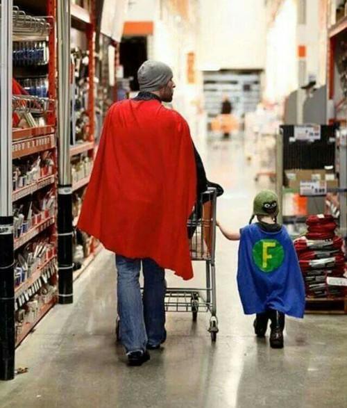 papà-eroe-papà-festa-auguri-uomini-relazioni-come-essere-papa-fidanzati-non-si-dice-piacere-bon-ton-buone-maniere-festa-papà
