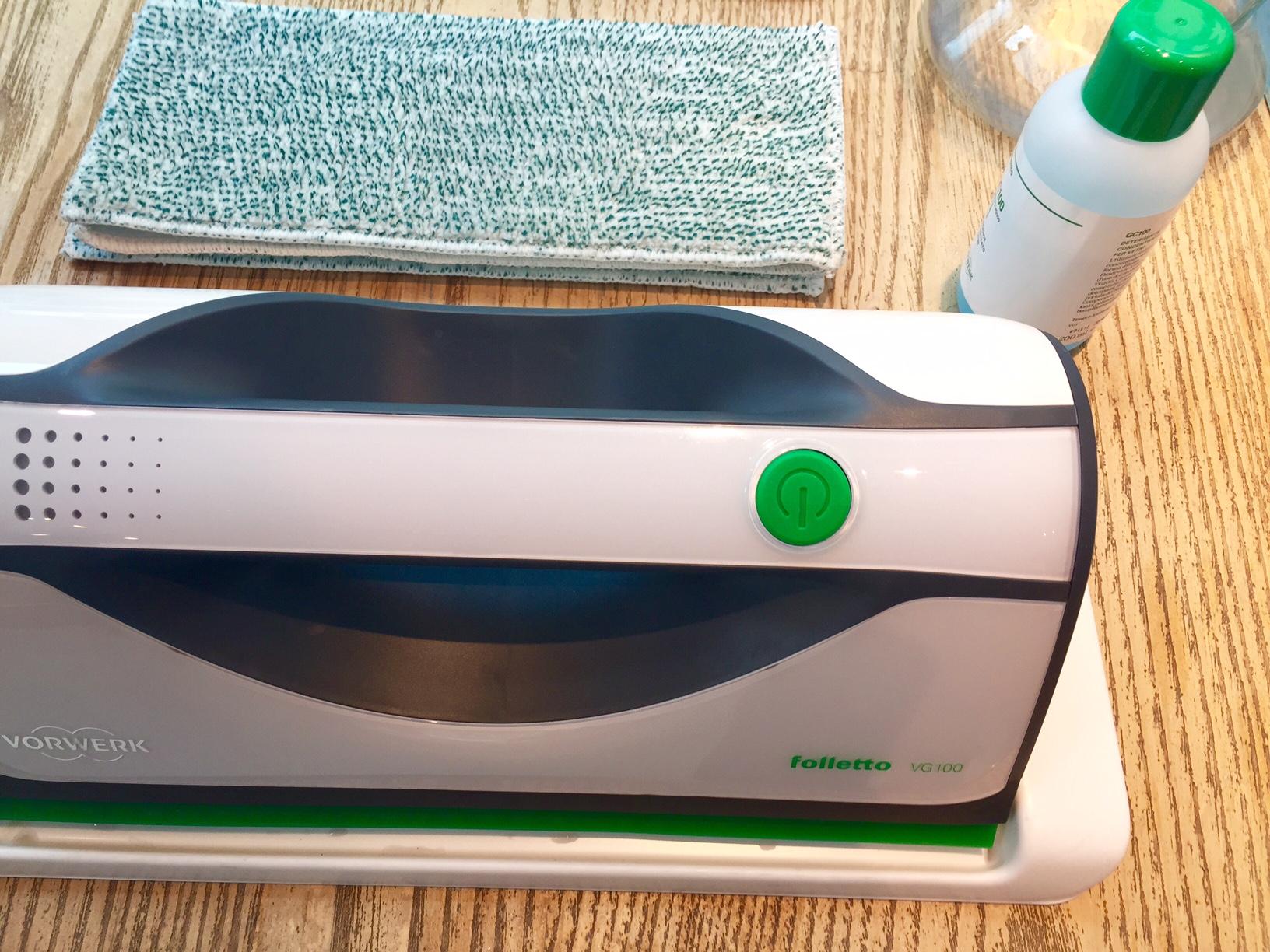 folletto-pulizie-pasqua-folletto-lavavetro-vg100-non-si-dice-piacere-bon-ton-buone-maniere