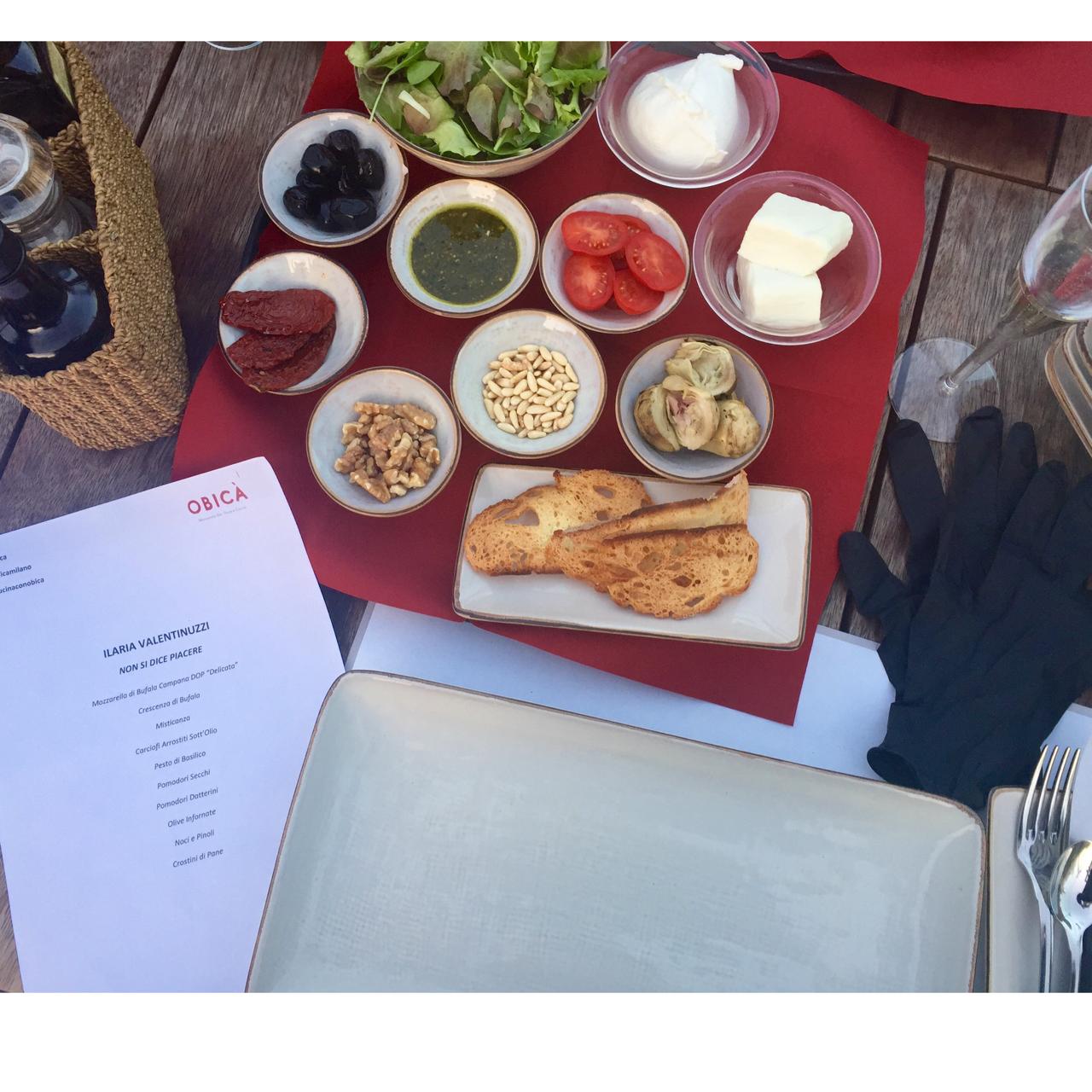 ingredienti-italian-food-stare-a-tavola-cucinare-fresco-stupire-mozzarella-obica-ricetta-facile-non-si-dice-piacere-bon-ton-buone-maniere