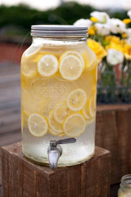 lemon-limoni-acqua-limone-nuove-scoperte-lifestyle-non-si-dice-piacere-bon-ton buone-maniere-blog-galateo