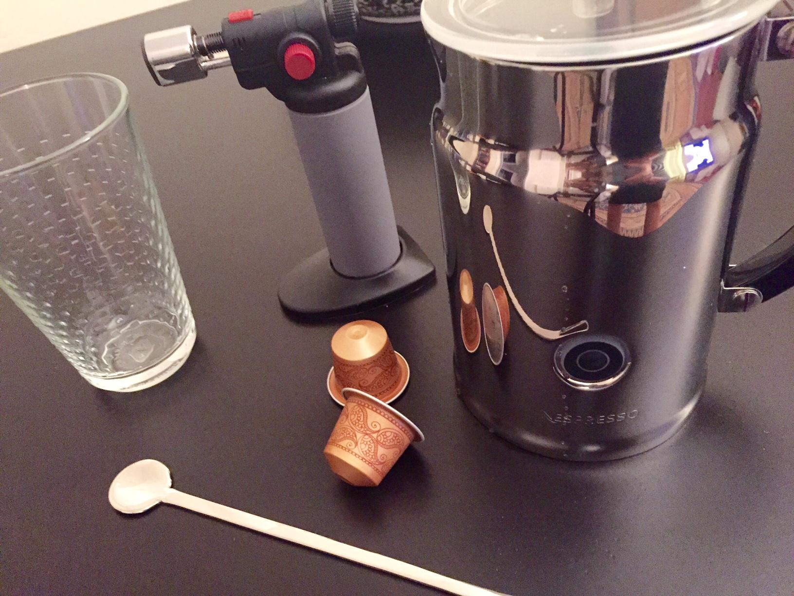 strumenti-aramel-three-master-nespresso-ricetta-merenda-monsoon malabar-non-si-dice-piacere-ricevere-ospiti-blog-buone-maniere.jpg