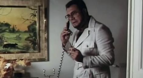 Carlo_Verdone_Bianco_Rosso_e_Verdone__1981_ bianco rosso verdone- telefono-richiamare-bon-ton-galateo-richiamre-segreteria-telefonica-non-si-dice-piacere