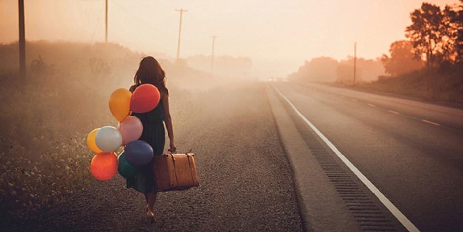 binari-viaggiare-treno-galateo-bon-ton-viaggiatore-buone-maniere-viaggi-treno-silenzio-non-si-dice-piacerejpg