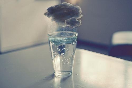 bufera-acquaacqua-brocca-bottiglia-servire-varietà-filtatrata-brita-bon-ton-galateo-non-si-dice-piacere