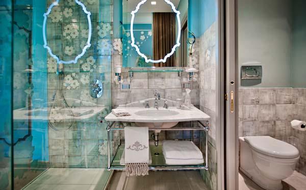 hotel-chateau-monfort-di-milano-souvenir-gadget-ricordi-vacanze-week-end-viaggi-non-si-dice-piacere-bon ton-buone-maniere