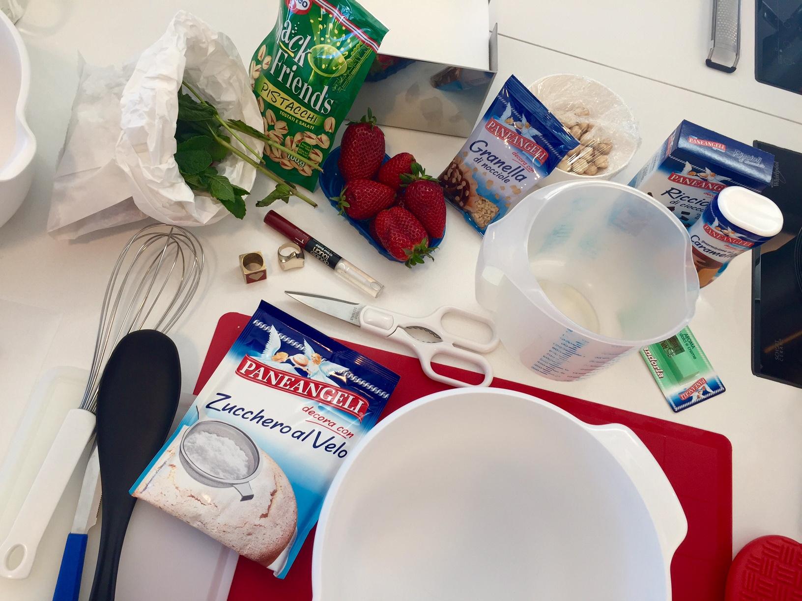 ingredienti-miranda - steve-sex and the city a tavola - budino-cameo-mise-en-place- bon ton-cucina-galateo-cuoco non sid ice piacere bon ton