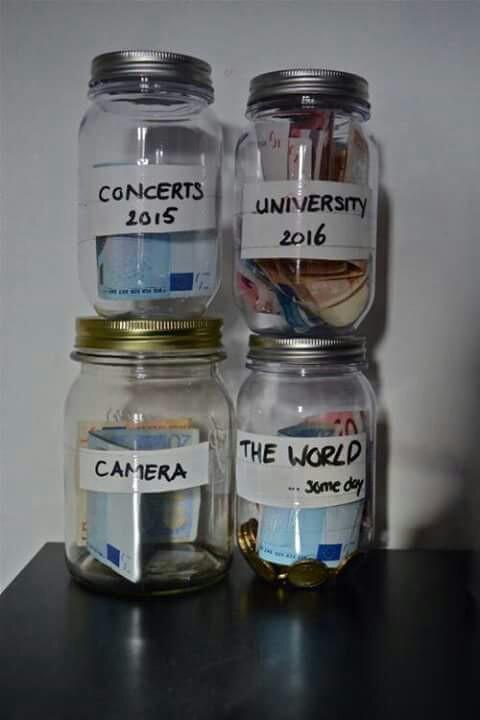 risparmiare-soldi-souvenir-gadget-ricordi-vacanze-week-end-viaggi-non-si-dice-piacere-bon ton-buone-maniere