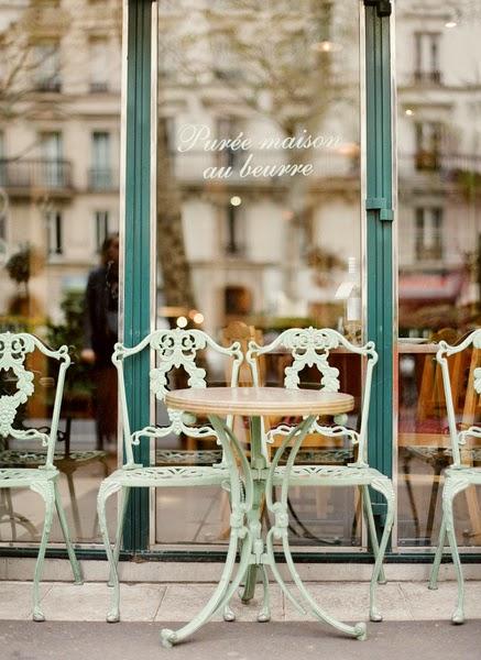 tavoli-cafè-bar-lunch-colazione-pranzo-corriere-articolo-come-sembrare-milanesi-snob-eleganti-non-si-dice-piacere-bon-ton-buone-maniere