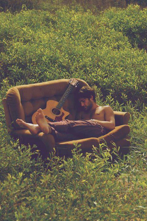 chitarra-off-line-staccare-dieta-prova-costume-giugno-stile-di-vita-estate-non-si-dice-piacere-blog-buonemaniere