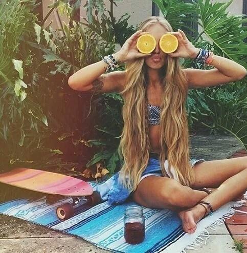 giallo-estate-ridere-sorridere-giallo-pantone-concerti-vasco-smile