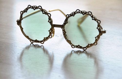 occhiali-tondi-estate-2015-romantici- stile-bon-ton