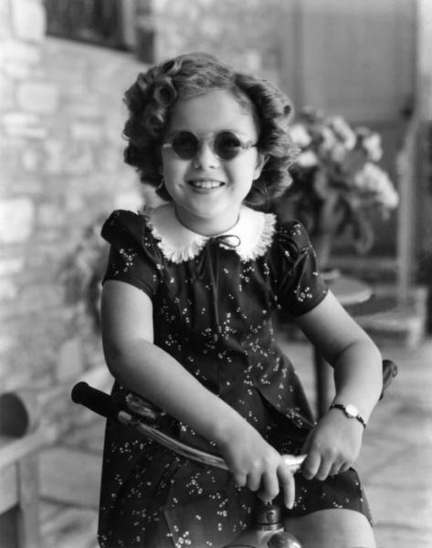 sherley templ-occhiali-sole-OCCHIALI DA SOLE TONDI IL CICLO E RICICLO DELLA MODA