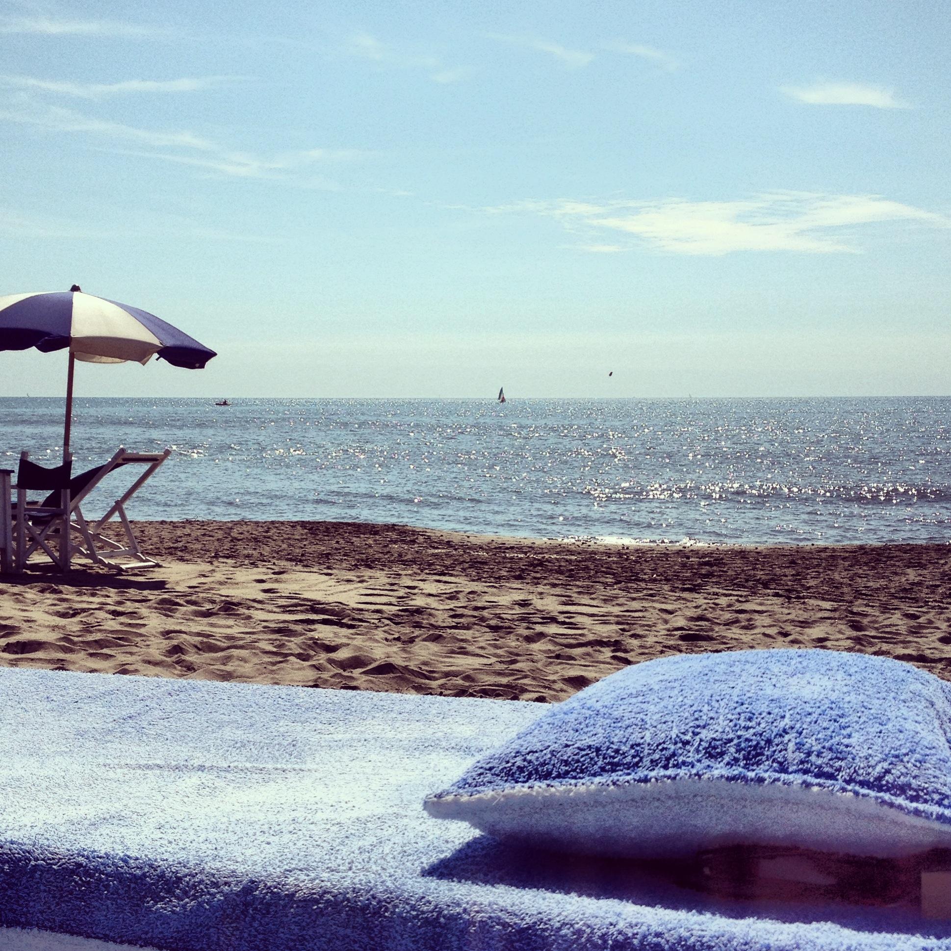spiaggia- al-forte-teli-ombrelloni