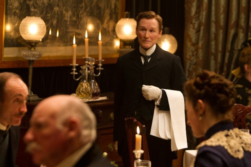 glenn-close-albert-nobbs-camerirere-sala