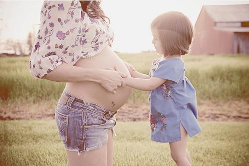 toccare pancia - incinta- buone maniere