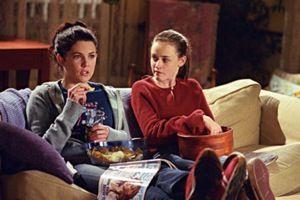 una-mamma-per-amica- divano-tutte puntate