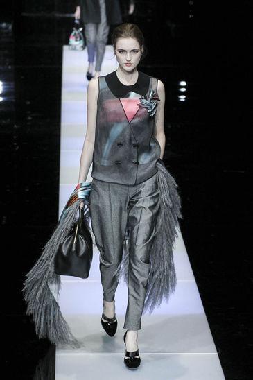 Giorgio-Armani_ful_W_F15_16- grigio colore stagione