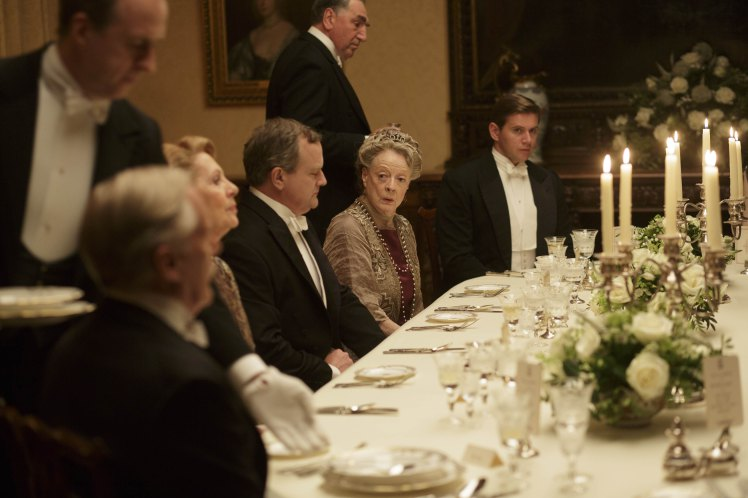 downton_abbey_servire pietanze ospiti