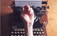 scriversi sulle mani - ricordare- tatuaggi