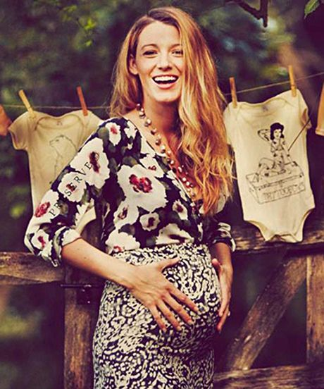 blakelively-pregnant-incinta pancia mostrare social