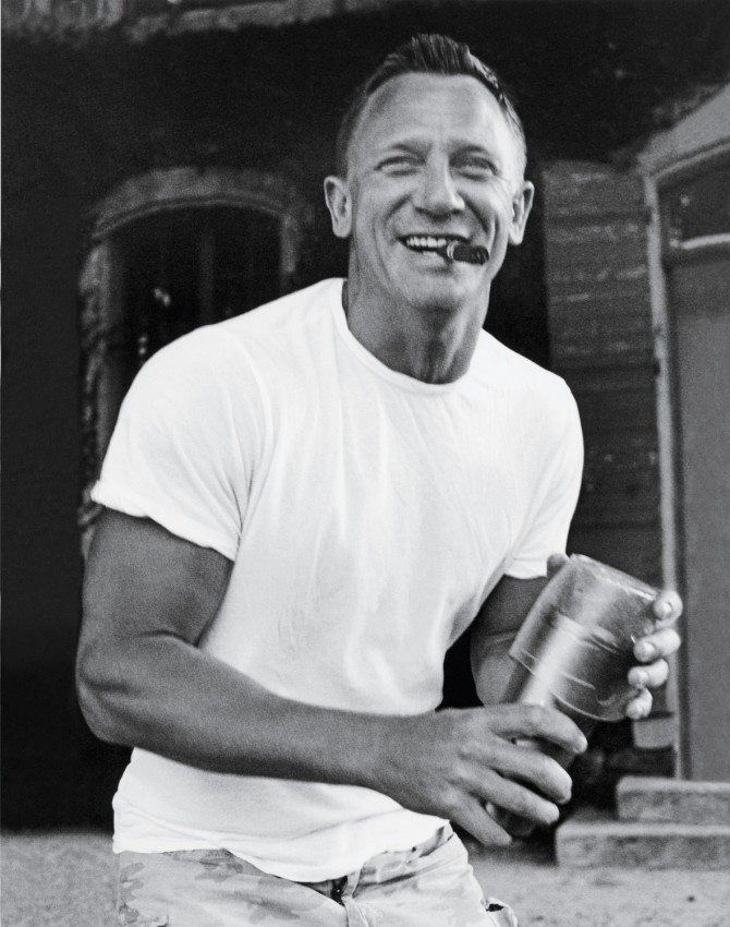 daniel craig -james bond shaer