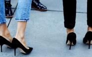 jimmy-choo-agnes-suede-pumps- jeans- tacchi alti vanno bene con tutto