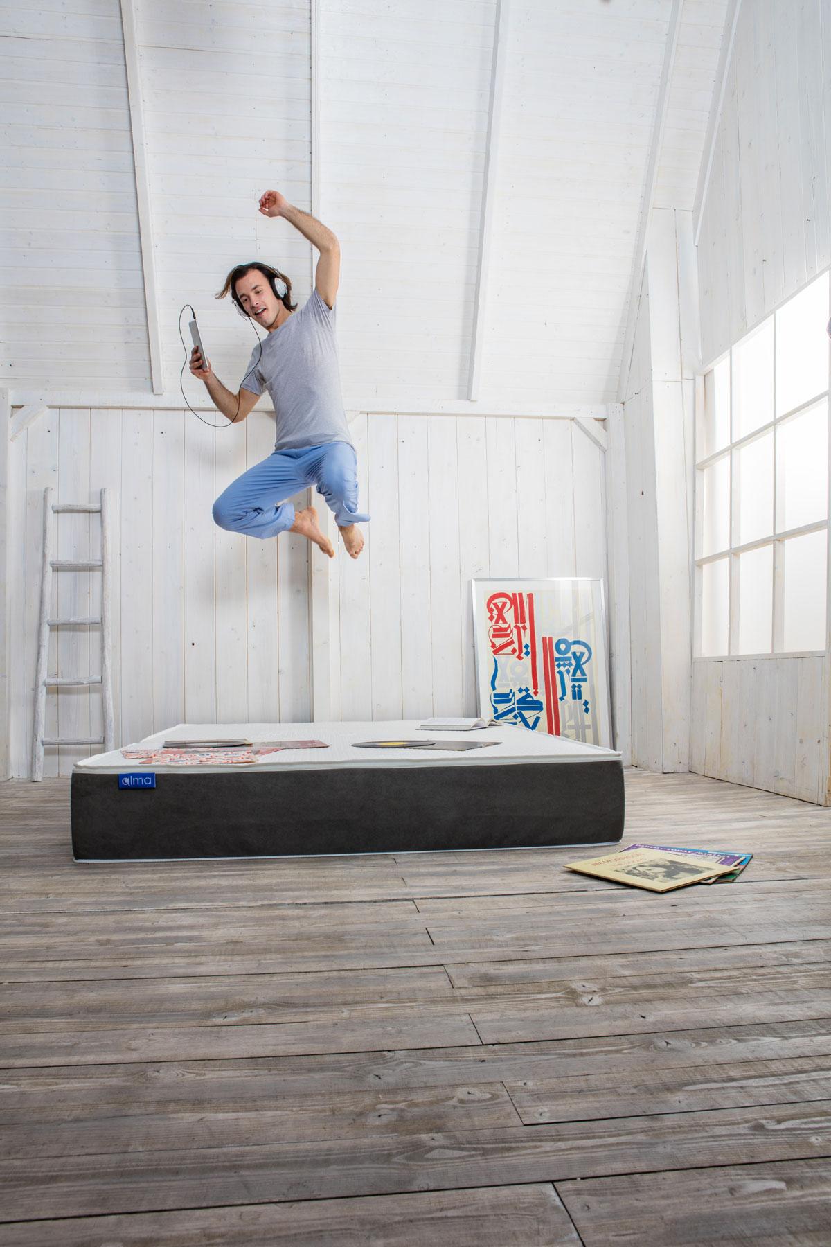 materasso_almabed- saltare sul letto-scegliere letto giusto- confort