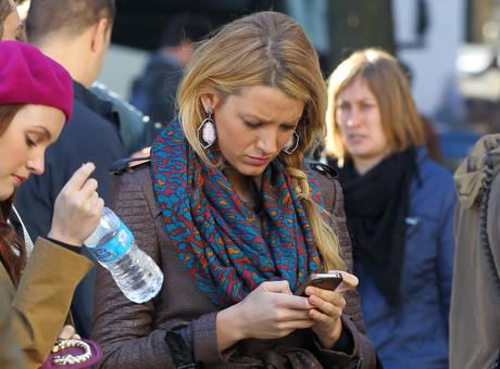 gossip girl - whatsapp- messaggi lavoro galateo