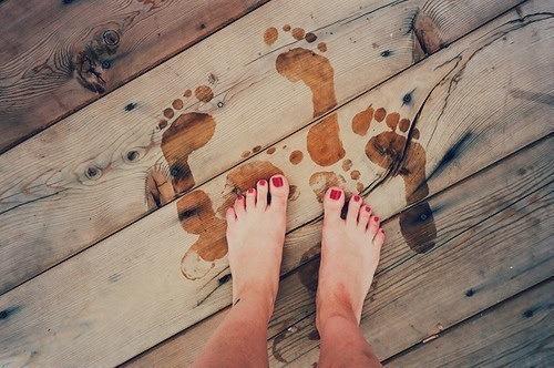 primo bagno- piadi nudi- smalto rosso- trend estate