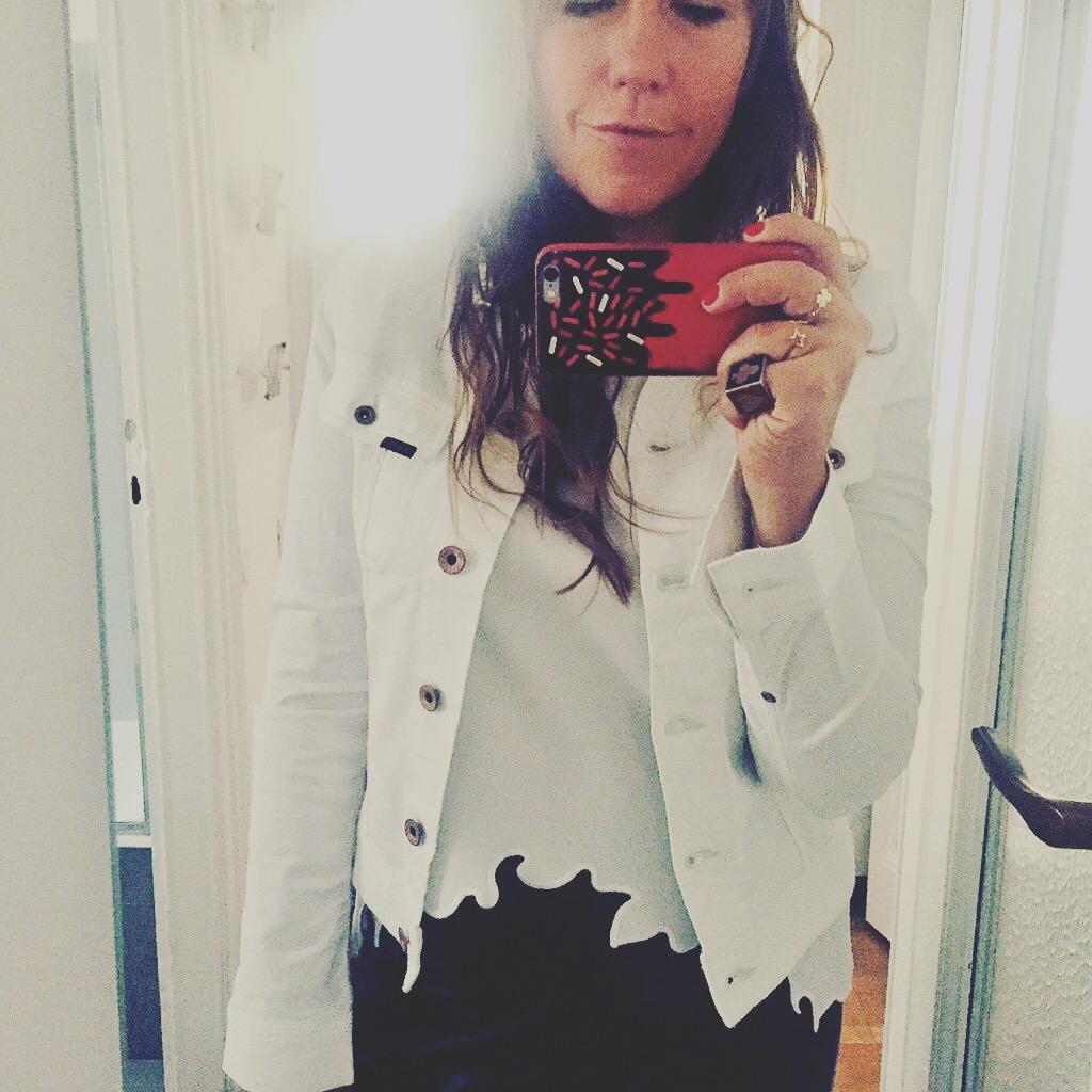 ilaria valentinuzzi- lee jeans giacca bianca - estate non si dicepiacere