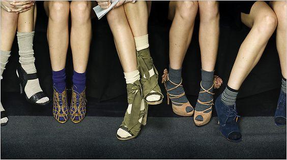 stylecaster-com-sandali-calzini-moda-inverno