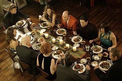 cena-amici-casa-invitare-ricevere-bon-ton-buone-maniere-galateo