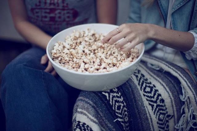 cinema-pop-corn-silenzio-spegnere-telefoni-visione