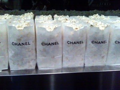 pop-corn-chanel-buona-educazione-cinema-bon-ton-come-comportarsi