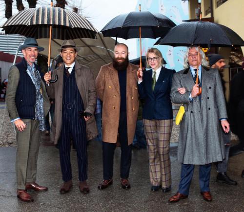 parisian-gentleman-pioggia-come-vestirsi-uomo-ufffcio