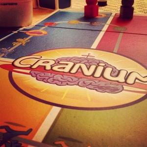 carnium-giochi-scatola-societa-amici-montagna-vacanze-non-si-dice-piacere-bon-ton-buone-maniere-loveit
