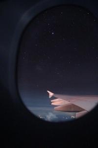 dormire-aereo-viaggi-creme-occhiaie-jet-lag-dibi-age-method