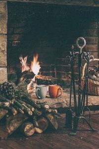 fuoco-camino-natale-nuove-abitudini-tradizioni