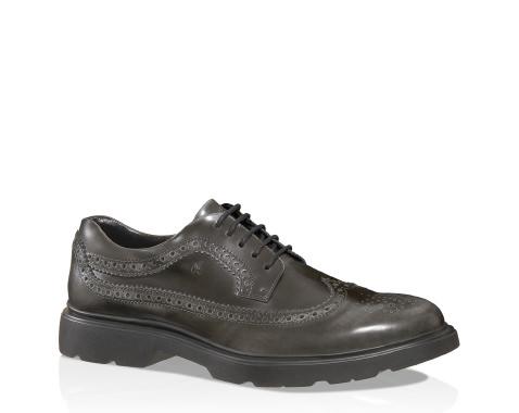hogan-elegantiscarpe-pioggia-uomo-ufficio-come-vestirisi-piove