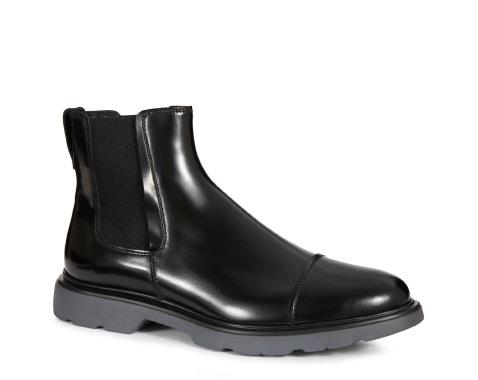 scarpe-pioggia-uomo-ufficio-come-vestirisi-piove