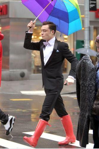 stivali-gomma-pioggia-uomo-scarpe-pioggia-uomo-ufficio-come-vestirisi-piove