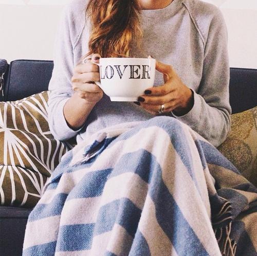 divano-copertina- winter-days- inverno- gennaio- agenda- cosa fare-staccare- relax