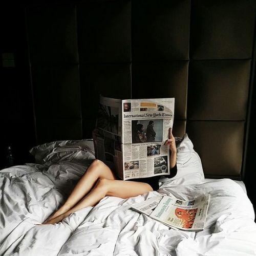 sfogliare-riviste-leggere-giornale-winter-days- inverno- gennaio- agenda- cosa fare-staccare- relax