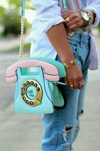 borsa-buone-maniere-educazione-telefono-sms-whatsapp-mail-lavoro
